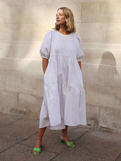 Without a Doubt These Are the 18 It Dresses of Summer 2019 - White Dresses - Ideas of White Dresses - It dresses Alexis Foreman in white Zara dress White Dress Outfit, White Dress Summer, Dress Outfits, White Dress Casual, Outfit Summer, Mode Outfits, Fashion Outfits, Womens Fashion, Fashion Tips