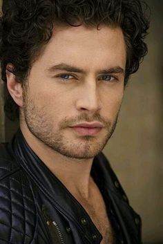 Kevin Ryan - There's handsome, there's pretty, and then there's THIS guy. Sweet Jesus...