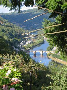 Le pont gothique à Entraygues-sur-Truyère