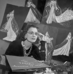 Coco Chanel: 1954