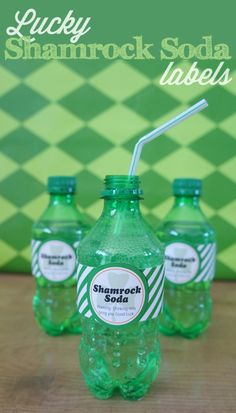 Cute good luck labels for Shamrock Soda! Free Printable from thecraftingchicks.com
