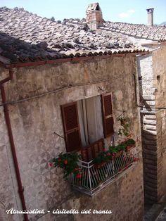 Ancient house.  #viviabruzzo www.abruzzolink.com