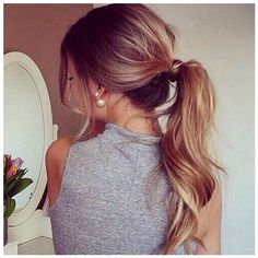 Instagram Insta-Glam Curly, Wavy Ponytails ❤ liked on Polyvore featuring beauty products, haircare, hair styling tools, hair, hairstyles and curly hair care