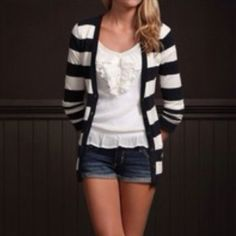 Hollister Cardigan Rarely worn, great condition Hollister Sweaters Cardigans