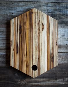 Tábua de madeira de corte ou servir em formato de héxagono #tabua…