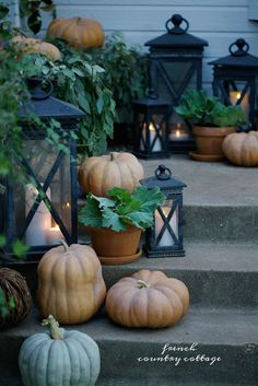 2 Simple changes for a new look on the front porch for autumn - Yesterday I shared a look at our front entry dressed for autumn with magnolia garland, pumpkins and lanterns. And today- it is al.