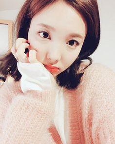Nayeon selca.. Cutie.. . . . #NAYEON #TWICE #seoul #kpop #camera #selfie #candy #sweet #play #love #dreams #skates #black #white #blue #life #music #food #entertainment #INFINITE #GOT7 #BTS #EXO #BIGBANG #SEVENTEEN #BLACKPINK #LOVELYZ #APINK #REDVELVET #GIRLSGENERATION
