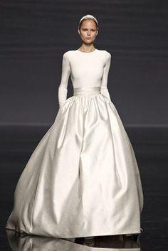 <3 30 Fabulous Winter Wedding Dresses | Weddingomania