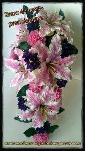 Ramo novia cascada. Lirios-camelias-violetas.