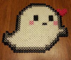 Ghost Halloween perler beads by Maxlacus Easy Perler Bead Patterns, Melty Bead Patterns, Perler Bead Templates, Diy Perler Beads, Perler Bead Art, Beading Patterns, Bracelet Patterns, Pixel Art, Halloween Geist