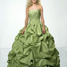 Today we're looking at sage green wedding dresses, the perfect choice for brides who decide to brave a colour. Green isn't a colour we generally associate with weddings, but it's becoming increasin… Green Wedding Dresses, Sage Green Wedding, Wedding Dress Cake, Wedding Attire, Bridal Dresses, Prom Dresses, Formal Dresses, Green Weddings, Bridesmaid Gowns