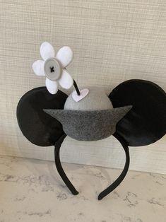 Retro Mini Minnie Ears, Disney ears, Classic, Minnie Mouse - New Ideas Disney Ears Headband, Diy Disney Ears, Disney Mickey Ears, Disney Diy, Disney Headbands, Mouse Costume, Disney Outfits, Disney Style, Retro