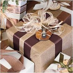Stylish Spaces Designed For Living: Lovely Gift Wrap Ideas