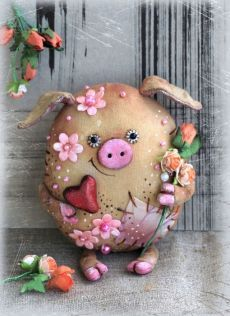 Nachrichten, You are in the right place about biscuits de nol Here we offer you the most beautiful pictures about the potes decorados com biscuits you are looking for. When you examine th Pig Crafts, Felt Crafts, Diy And Crafts, This Little Piggy, Little Pigs, Educational Toys For Toddlers, Pig Art, Cute Piggies, Soft Dolls