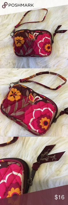 "Vera Bradley, Small Tech Case/Wristlet 'Carnaby' LIKE NEW • Vera Bradley ""Carnaby"" Small Tech Case:Wristlet 