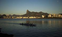 Dia começa com céu sem nuvens Foto: Guilherme Leporace / Agência O Globo