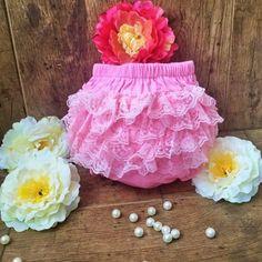 Csipkés pelenkabugyi babafotózáshoz - Nobby M Art Nobby, Girls Dresses, Flower Girl Dresses, Tulle, Wedding Dresses, Flowers, Vintage, Art, Fashion