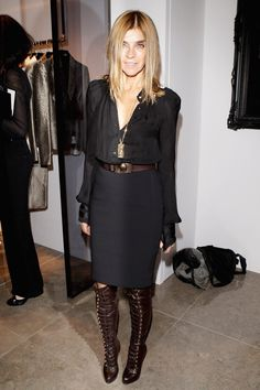 Carine Roitfeld aka my style icon. Anna Wintour, while stylish, can't hold a candle to this bastion of la mode!