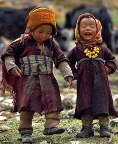 happy children in Tibet Little People, Little Ones, Beautiful Children, Beautiful People, Beautiful Things, Baby Kind, People Of The World, Our World, Belle Photo