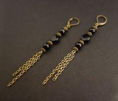 Boucles d'oreilles longues, noir et bronze   Une jolie paire de boucles d'oreilles longues, coloris noir et bronze Boucles d'oreilles légères à levier    *Longueur: 9.40cm  - 12066193