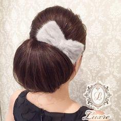 #クラシカル だけどちょっと#ルーズ  #編み込みアレンジ ほど可愛い系じゃなくても…って方に! #ファーバレッタ かわいい♡  #ヘアセット#ヘアメイク#ヘアアレンジ#ヘアスタイル#セットサロン#名古屋#栄#結婚式#ブライダル#ドレス#今日のコーデ#リボン#お団子#hair#hairstyle#hairarrange#hairstyles#hairset #hairmake #followme #wedding #bridal