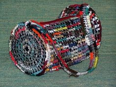 Crocheted purse using pop-top rings