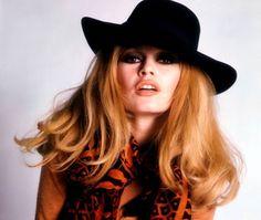 Brigitte Sombrero 1