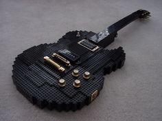 Guitarra feita de peças de lego! Maneiríssima!