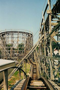 The Zippin' Pippin'-Libertyland - Memphis-Favorite wooden coaster. Abandoned Theme Parks, Abandoned Amusement Parks, Abandoned Buildings, Abandoned Places, Hershey Park, Amusement Park Rides, Haunted Places, Historical Sites, Places To See
