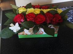 Flower box, kwiaty w pudełku, pomysłowy bukiet, prezent