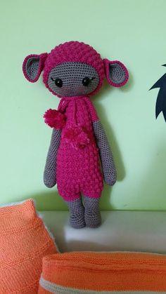LUPO the lamb made by Mandy B. / crochet pattern by lalylala Amigurumi Doll, Amigurumi Patterns, Crochet Patterns, Crochet Dolls, Crochet Yarn, Hello To Myself, Smocking, Lana, Hello Kitty