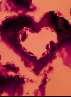 Heart shaped cloud! So cute !