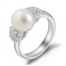 The simple pearl makes it seem kind of old fashioned in a way, but it's still pretty :)