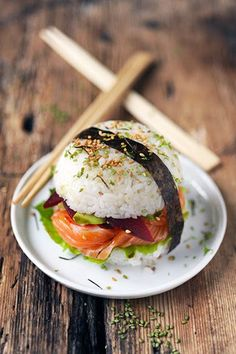 Sushi-burger au saumon