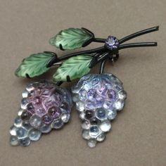 Grapes fruit pin Austria, japanned (black metal)