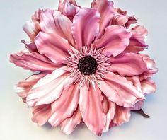 Giant Flowers, Paper Flowers, Romantic Living Room, Artificial Flowers, Flower Decorations, Different Colors, Favorite Color, Backdrops, Wedding Flowers