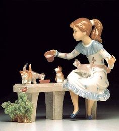 LLADRO - MEAL TIME Issue Year: 1994 Retirement Year: 2001 Sculptor: Regino Torrijos