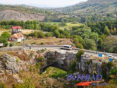 Romania Megalitica: Podul natural de la Ponoare,Mehedinti. Podul lui Dumnezeu de la Ponoare. Legende. Enigme Cairns, Dolores Park, Amazing, Travel, Viajes, Destinations, Traveling, Trips