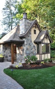 1000 images about guest house backyard cottage on for Backyard guest cottage