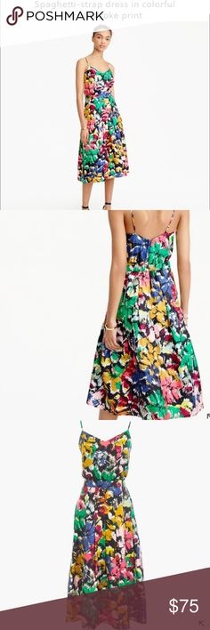 Jcrew Midi Dress Beautiful print. Too small for me 😔. If any one has it in a size 8 or 10 let me know!!! 46 inches long. Spaghetti straps. Wear it with a jean jacket! J. Crew Dresses Midi