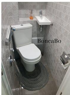 Tiny Bathrooms, Tiny House Bathroom, Bathroom Toilets, Bathroom Design Small, Bathroom Layout, Bathroom Interior Design, Master Bathrooms, Bathroom Cabinets, Small Wet Room