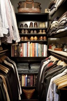 decorology: Great ideas to get the most out of a small walk in closet