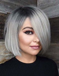 Best Hairstyles & Haircuts for Women in 2017 / 2018 : Our collection of easy summer hairstyles will help you to look drop dead gorgeou… Angled Bob Hairstyles, Bob Hairstyles For Fine Hair, Short Bob Haircuts, Hairstyles For Round Faces, Hairstyles Haircuts, Trendy Hairstyles, Braided Hairstyles, Bobs For Round Faces, Haircut Bob