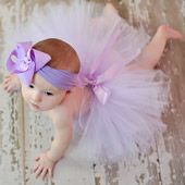 I want a baby girl SO BAD so i can put her in rediculous bows and tutus juse like this! lol