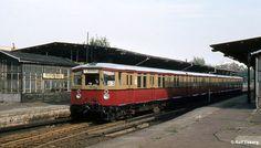 Bahnhof Berlin-Charlottenburg in den Bahn Berlin, S Bahn, 1984, Public Transport, Den, Trains, Transportation, Germany, Autos