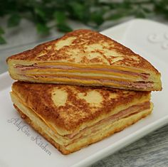 Sandvis Monte Cristo , sandvis cald pane cu sunca - Adygio Kitchen Quick Easy Meals, Breakfast Recipes, Sandwiches, Cooking, Ethnic Recipes, Kitchen, Main Courses, Easy Recipes, Food