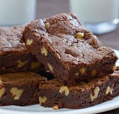 Warning: these brownies are not for the faint-hearted. Well, let me tell you that even I struggled to eat a whole one . Brownie Recipes, Cookie Recipes, Dessert Recipes, Dessert Bars, Healthy Cake, Healthy Sweets, Fall Desserts, Sweet Desserts, Sin Gluten