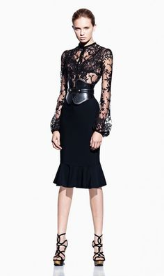 Lace, Black & Sheer Alexander McQueen I would wear this outfit so much! Alexander Mcqueen, I Love Fashion, High Fashion, Womens Fashion, Style Fashion, Fashion Beauty, Vestidos Fashion, Haute Couture Style, Couture Fashion