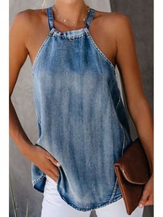Classy Off-Shoulder Denim Halter Vest ropa reciclada blusas Classy Off-Shoulder Denim Halter Vest Denim Top, Artisanats Denim, Denim T Shirt, Mode Hippie, Mode Top, Mode Jeans, Denim Ideas, Casual Tops For Women, Jeans Dress