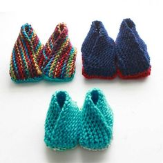Easy crossover booties knitting pattern in sizes 3, 6 and 9 months